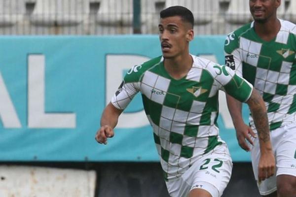 Chiquinho é o melhor jogador jovem do campeonato pelo terceiro mês consecutivo