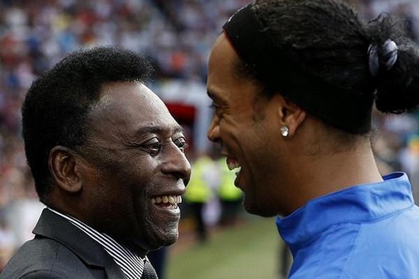 Pelé já saiu do hospital, dois dias depois da cirurgia