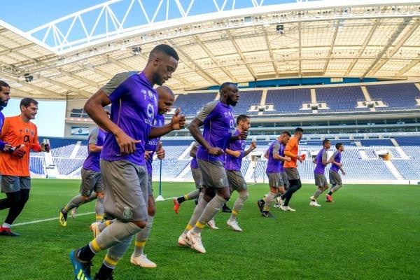 Regresso de cinco internacionais marca treino do FC Porto no Dragão