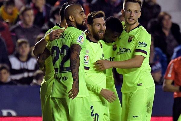 Espanha: Messi 'arrasa' Levante e mantém FC Barcelona líder isolado