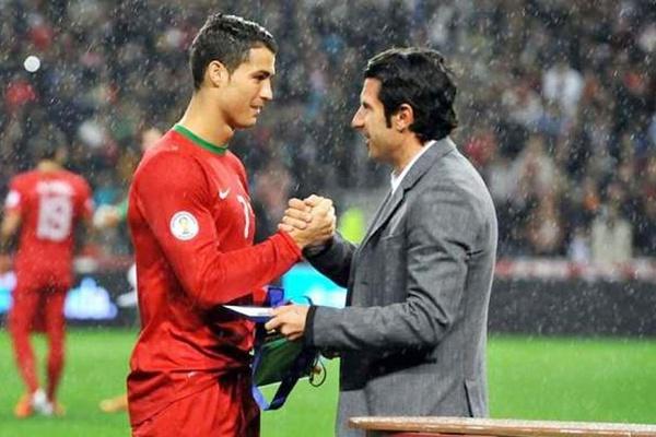 Figo diz que Cristiano Ronaldo continua a fazer história