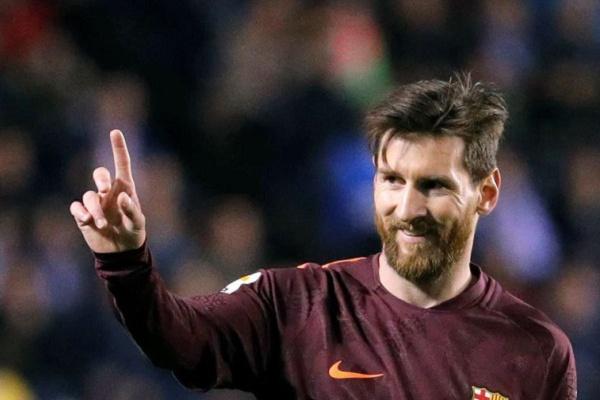 Messi assume braçadeira de capitão no FC Barcelona