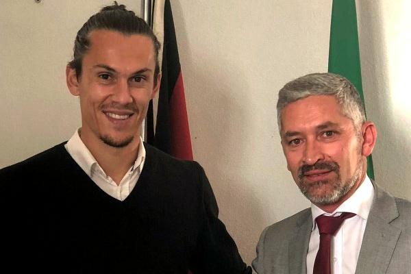 Médio Rafa Sousa renova contrato com o Penafiel até 2020