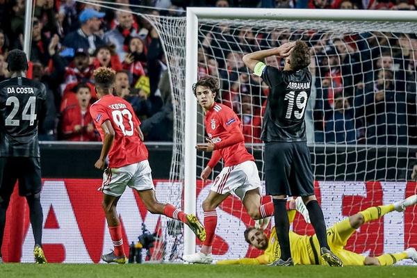 Crónica: Félix teve noite 'diabólica', mas Paciência deu 'vida' ao Eintracht
