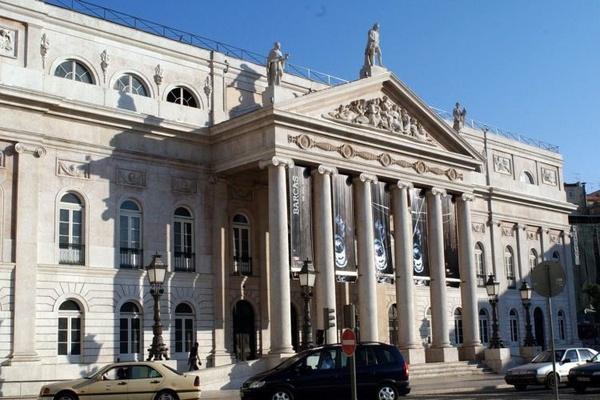 Covid-19: Teatro comunitário lusófono de Berlim cria radionovela ...