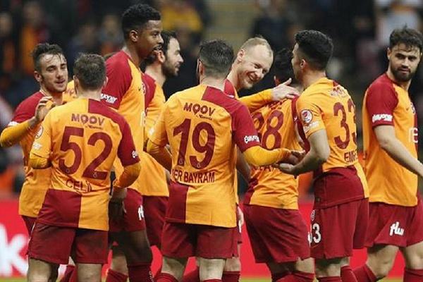À atenção do Benfica: Galatasaray vence Tranzonspor por 3-1