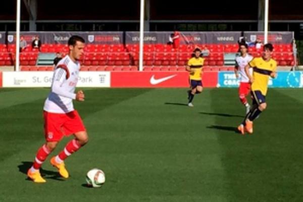 5151657159 Mercado  Benfica reintegra Raphael Guzzo  FC Porto inscreve José Sá ...