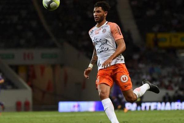 Pedro Mendes confirma lesão no joelho