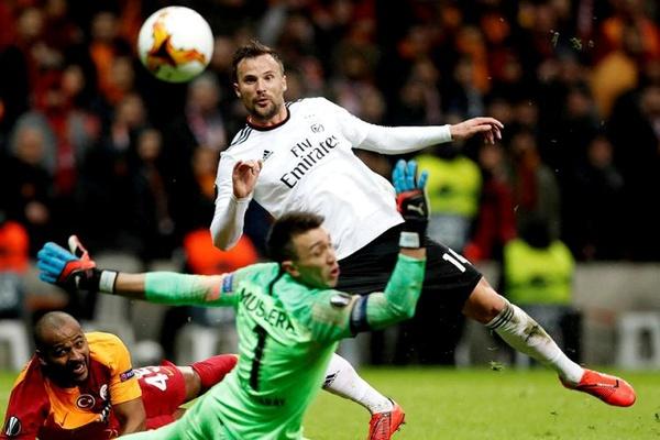 Seferovic: «Foi um grande jogo com uma grande atmosfera»