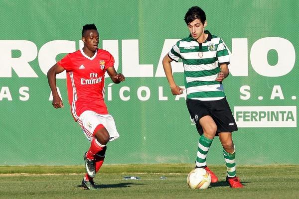 Juniores B: Benfica e Sporting empatam e continuam juntos no primeiro lugar