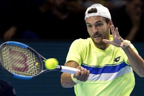 Ténis: João Sousa diz que Federer «consegue anular as armas dos adversários»