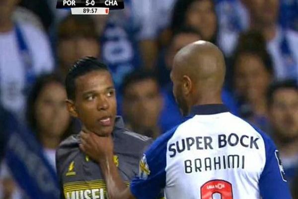 Benfica apresenta queixa contra Brahimi e pede três jogos de suspensão