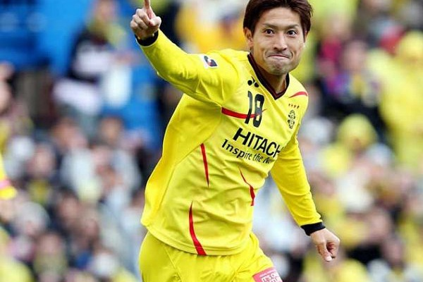 Mercado: OFICIAL - Sporting anuncia saída de Junya Tanaka para Vissel Kobe