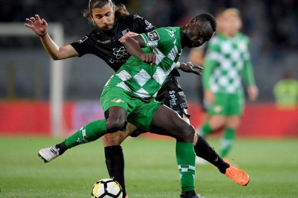I Liga: Vitória de Guimarães vence dérbi com Moreirense e sobe a quinto