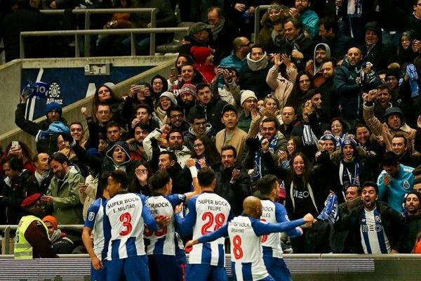Taça da Liga: Uma detenção no Benfica - FC Porto, por resistência à autoridade