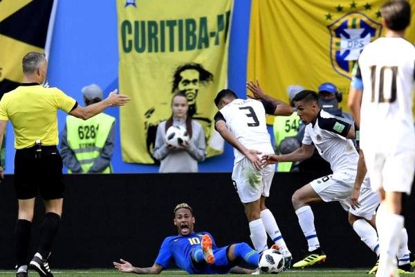 Mundial-2018: Bryan Ruiz diz que Costa Rica sai do torneio «de cabeça levantada»