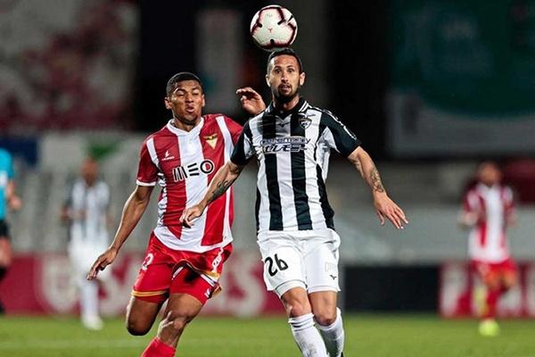 I Liga: Portimonense e Desportivo das Aves dividem pontos em solo argarvio