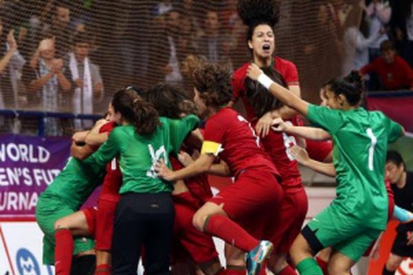 Suzane Pires chamada à seleção de futebol feminino pela primeira vez