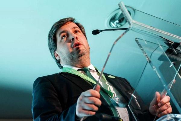 Bruno de Carvalho apresenta candidatura e evita comentar legitimidade da mesma
