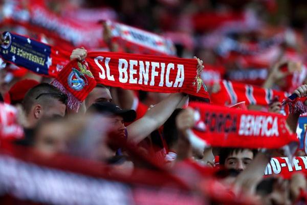 Sporting diz que demora na justiça está a beneficiar Benfica no apoio às claques