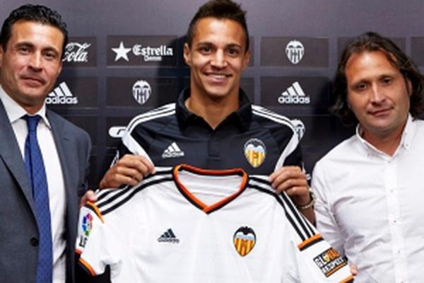 Avançado Rodrigo, do Valência, ausente da competição por três meses