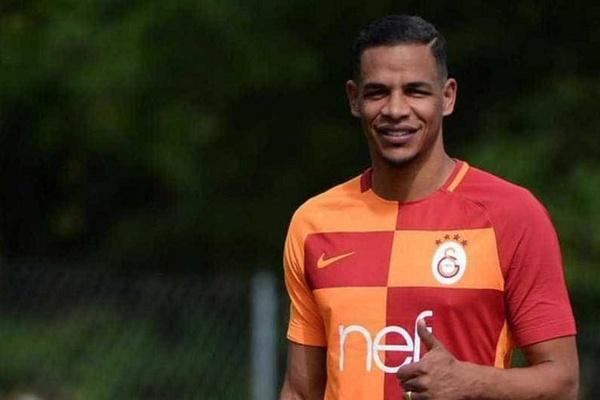 LE: Médio brasileiro Fernando diz que Galatasaray «manda em casa»