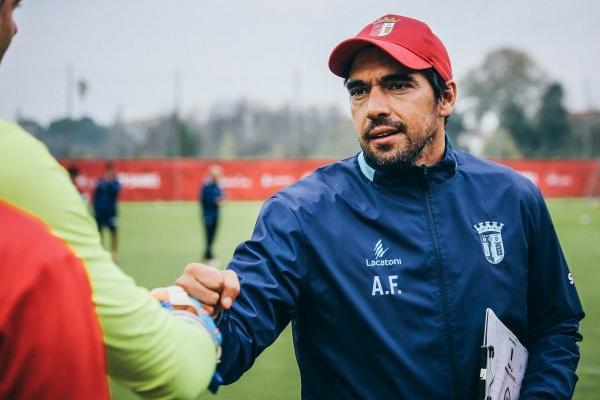 Sp. Braga: Abel Ferreira quer equipa inteligente e organizada para eliminar Aves