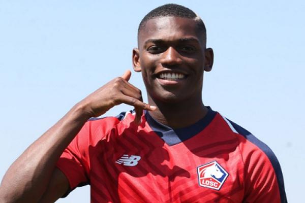 Rafael Leão perto de rescindir contrato com o Lille