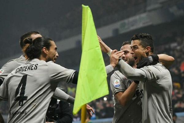 Golo e assistência de Ronaldo no regresso da Juventus às vitórias