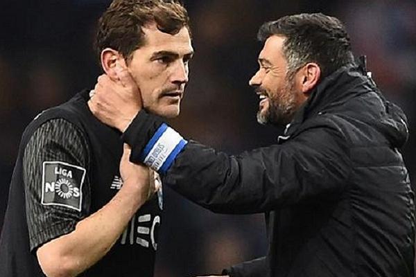 Iker Casillas e Sérgio Conceição eleitos atleta e treinador do ano do FC Porto