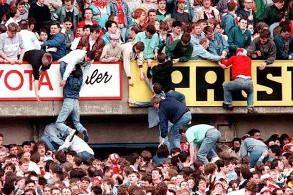 Responsáveis de segurança clamam inocência no desastre de Hillsborough em 1989