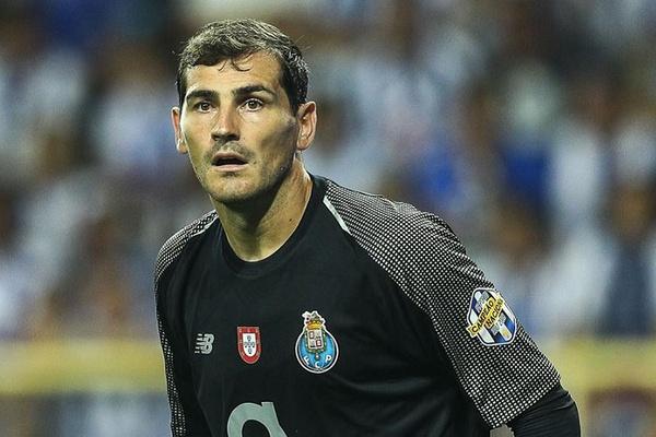 Iker Casillas sobre a retirada: «Deixem-me anunciar quando chegar o momento»