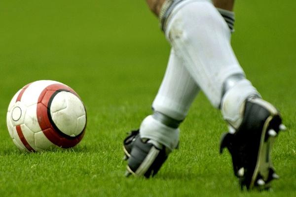 Empresa de Barcelos cria meias de futebol com «bolso» para as caneleiras