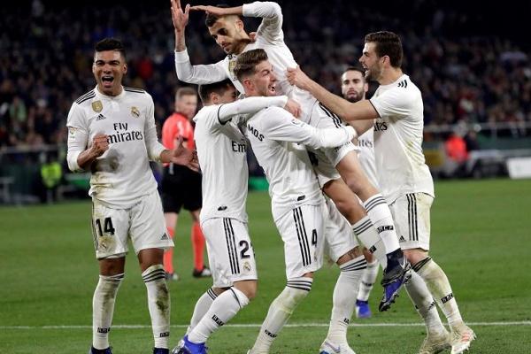 Real Madrid vence Bétis e iguala Sevilha no terceiro lugar em Espanha