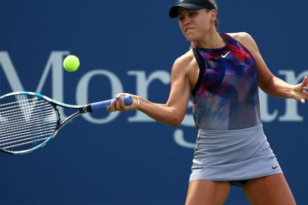 Norte-americana Sofia Kenin vence primeiro troféu no circuito de ténis