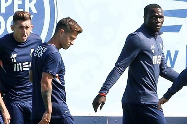 Aboubakar de regresso aos treinos do FC Porto, após representar Camarões