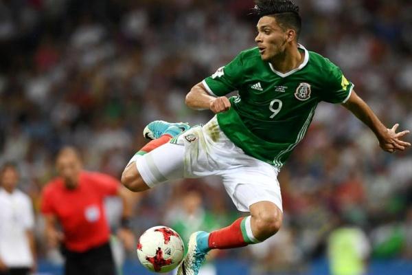 Raúl Jiménez dá a vitória ao México frente à Polónia