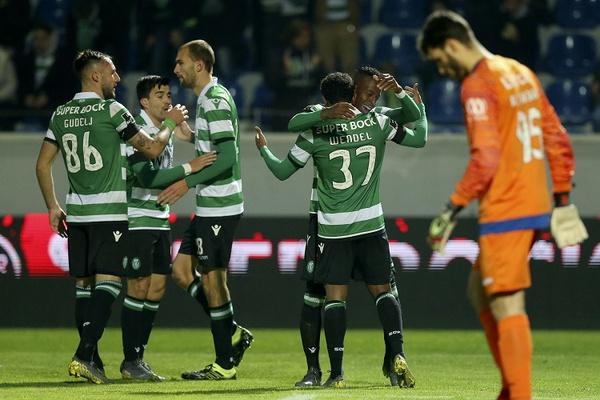 Sporting vence em Santa Maria da Feira e também recupera terreno ao FC Porto