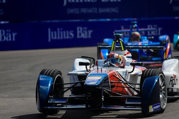 Félix da Costa abandona em Marraquexe e perde liderança do campeonato de Fórmula E
