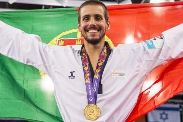 Taekwondo: Rui Bragança apura-se para as «meias» e conquista medalha nos Mundiais
