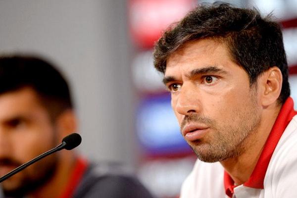 Abel Ferreira: «O objetivo é ficar entre os quatro primeiros lugares»