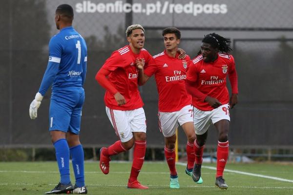 II Liga: Benfica B sobe ao terceiro lugar com vitória sobre Oliveirense
