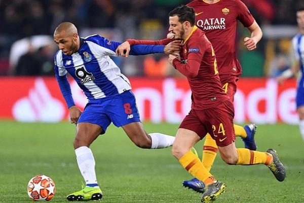 Brahimi sofre entorse no tornozelo esquerdo na derrota do FC Porto com a Roma