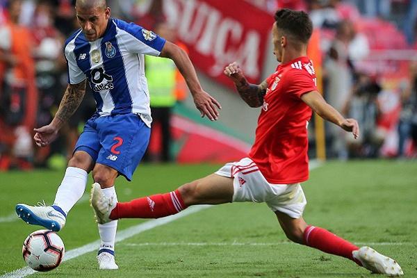 Benfica expõe conjunto de lances em «benefício» do FC Porto à Federação e à Liga