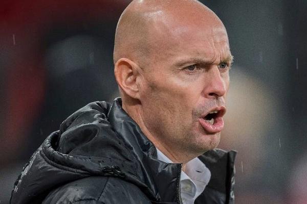 OFICIAL: Sporting confirma contratação do treinador Marcel Keizer
