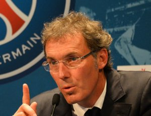 França: Presidente do PSG quer manter Laurent Blanc