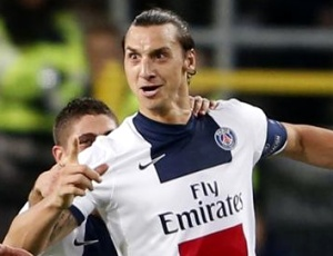 Ibrahimovic marca três na goleada do PSG ao Kitchee SC