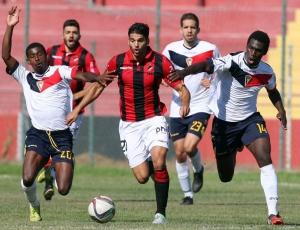 Segunda Liga: Olhanense bate Mafra no regresso às vitórias