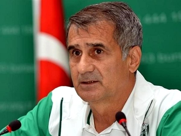 Treinador do Besiktas quer vencer Sporting num encontro «determinante»