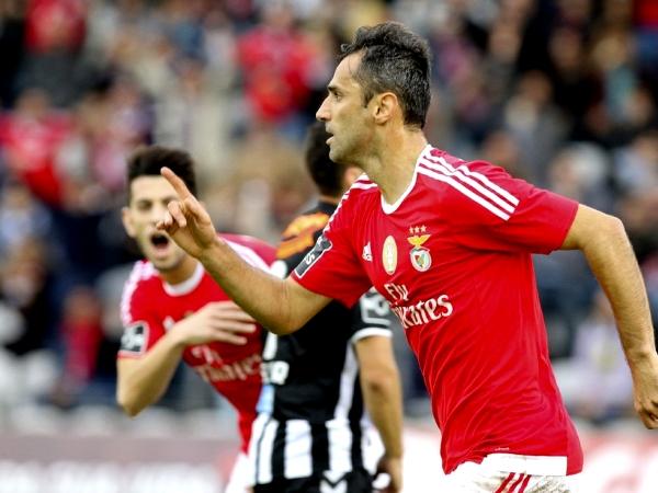 Primeira Liga: Benfica vence Nacional com 'hat-trick' de Jonas